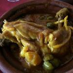 Le Tajine de poulet aux citrons et olives