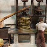 Μακέτα - Πιεστήριο τσουβαλιών / Συλλογή λαδιού