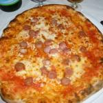 Pizza margherita con wurtsel!!
