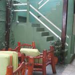Frühstücksbereich und Treppe zur ersten Etage
