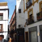 Candil de la calle Candilejos en memoria de la anciana que presenció el asesinato a un Guzmán en