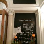 EINGANG VOM HOTEL RITZ AUS - ENTRANCE INDOOR