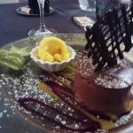 La marquise au chocolat cœur exotique... Excellent !