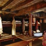 Rocking cabin