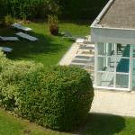 Vista de la piscina desde la terraza de la habitación