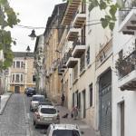La empinada calle del hostel