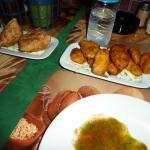 Akbar vege samosas (delicious!) and potato pakoras