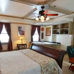 Union Gables Inn Library room is spacious with a large whirlpool tub and private fenced patio