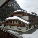 Hotel visto dalla Camera del Serenella