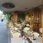 Patio Seating - Crepe Vine - Mountain View, Ca