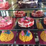 Le meraviglose torte in vetrina.