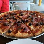 hot & spicy pizza, large
