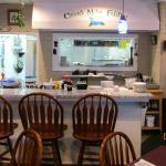Counter & kitchen