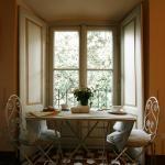 Зал для завтраков. Домашние джемы из персиков и вишен варит сама хозяйка виллы.