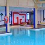 Nouvelle piscine couverte  Airotel Pyrénées accessible PMR