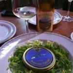 Hoy cena en Mesón Las Lanzas.. Caviar Irani Beluga... acompañado de albariño Granbazan... muy bu