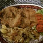 XXL-Schnitzel mit Bratkartoffeln:)