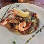 Thaïfusion : Filet de barracuda avec crevettes, épinards, pomme de terre sautées