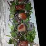 Feldsalat mit angebratenem rotem Thunfisch, ca. 12€