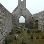 Skellig ring: Ballinskelligs Priory, scorcio del monastero medievale