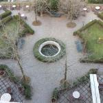 Il giardino visto dalla finestra