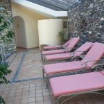 Spa pink sunbeds