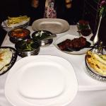 The lasooni ghobi ���� and all those Indian dishes are just delicious ����