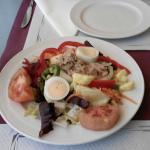 Салат на обед в отеле