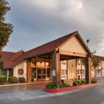 Photo of BEST WESTERN Town & Country Lodge