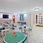 Foto de Ambassador Inn & Suites