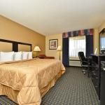 Photo de Quality Inn Hoffman Estates - Schaumburg