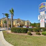 Photo of Best Western Bradbury Inn & Suites