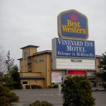 Photo of GuestHouse Vineyard Inn McMinnville
