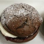 Massive Whoopie Pies - an old Amish recipe from USA. Chocolate cookie like cake with Vanilla cre