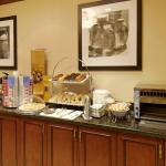 Photo de Hampton Inn Toronto - Mississauga West