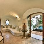Honeymoon Suite Chalet interior