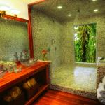 Rainforest Canopy Suite - Bathroom