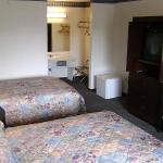 Allstate Inn Lebanon Room