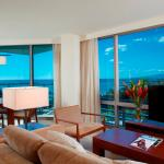 Premium Bedroom Den Ocean Front Suite