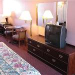 Colonial Inn and Suites