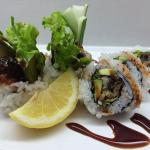 This is dragon roll. I love american rolls!!!!