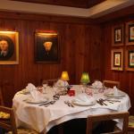 Notre chef et toute son équipe vous attendent pour un repas sous le signe de la convivialité