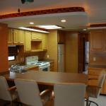 Houseboat - Full Kitchen