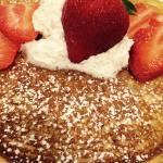 Some yummy strawberry pancakes !
