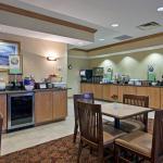Photo de Country Inn & Suites By Carlson, Cincinnati Airport