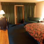 Seasons Inn
