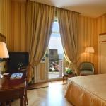 Deluxe Seaview Queen Bedroom