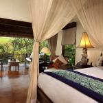 Bedrooms & Balconies