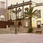 La Casa Regental junto a la Consistorial, en obras (foto de 2003)
