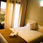 에멜리 호텔